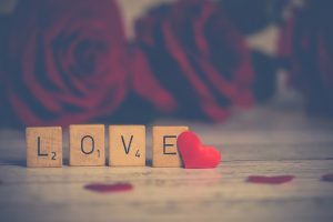 How Do You Know When You Are In Love: Here Are The 12 Signs!